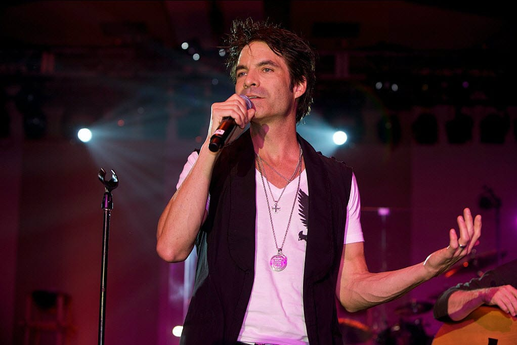 Pat Monahan Medium Shot Mic